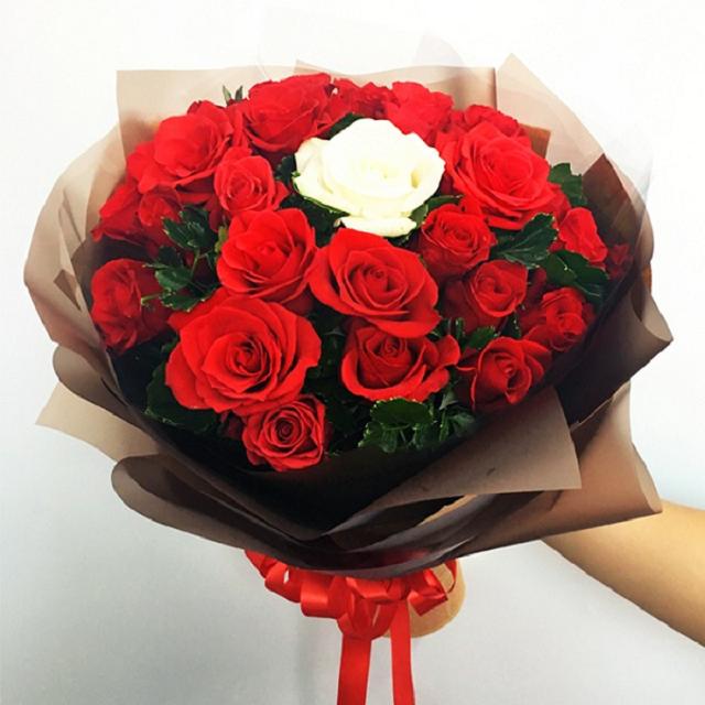 Các lý do bạn nên mua bó hoa sinh nhật tặng bạn gái tại Shop Hoa Vip
