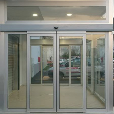 Các trang bị chính của một hệ thống cửa kính tự động